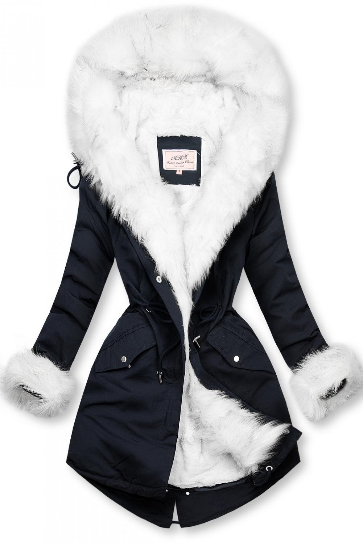 Tmavomodrá/biela parka na zimu s odnímateľnou podšívkou. - zapínanie na zips a patentky - neodopínateľná kapucňa - teplá odnímateľná podšívka - plyš - možnosť regulovať v páse a dolnej časti šnúrkami - v prednej časti vrecká - materiál: 100% polyester