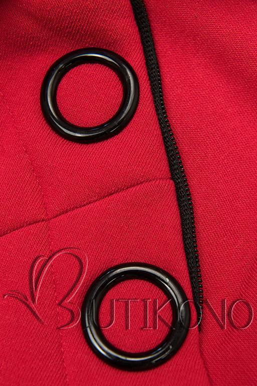 Červená tepláková súprava so vzorovanou kapucňou