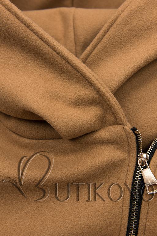 Hnedý kabát s koženkovými detailami