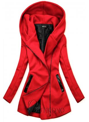 Červený kabát s koženkovými detailami