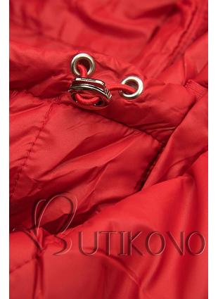 Červená prešívaná bunda na prechodné obdobie
